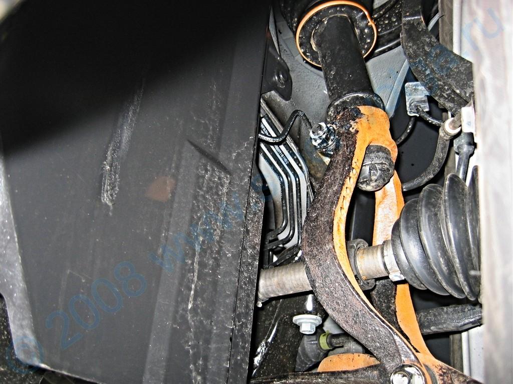 ...видны детали передней подвески Сайбера, которую ГАЗ.